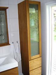 Frostat glas till badrumsskåp